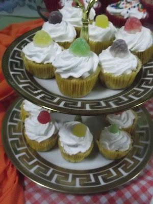Cupcake de Baunilha e doce de leite .