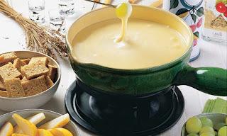 Fondue de queijo camembert