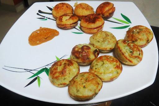Mentya (Fenugreek seeds) Guli appa (Sweet + Khara)
