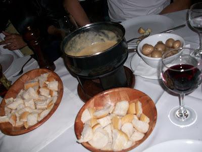 Ingredientes que casam muito bem: fondue e Gramado