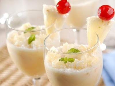 sobremesa de abacaxi com gelatina creme de leite leite condensado e leite de coco