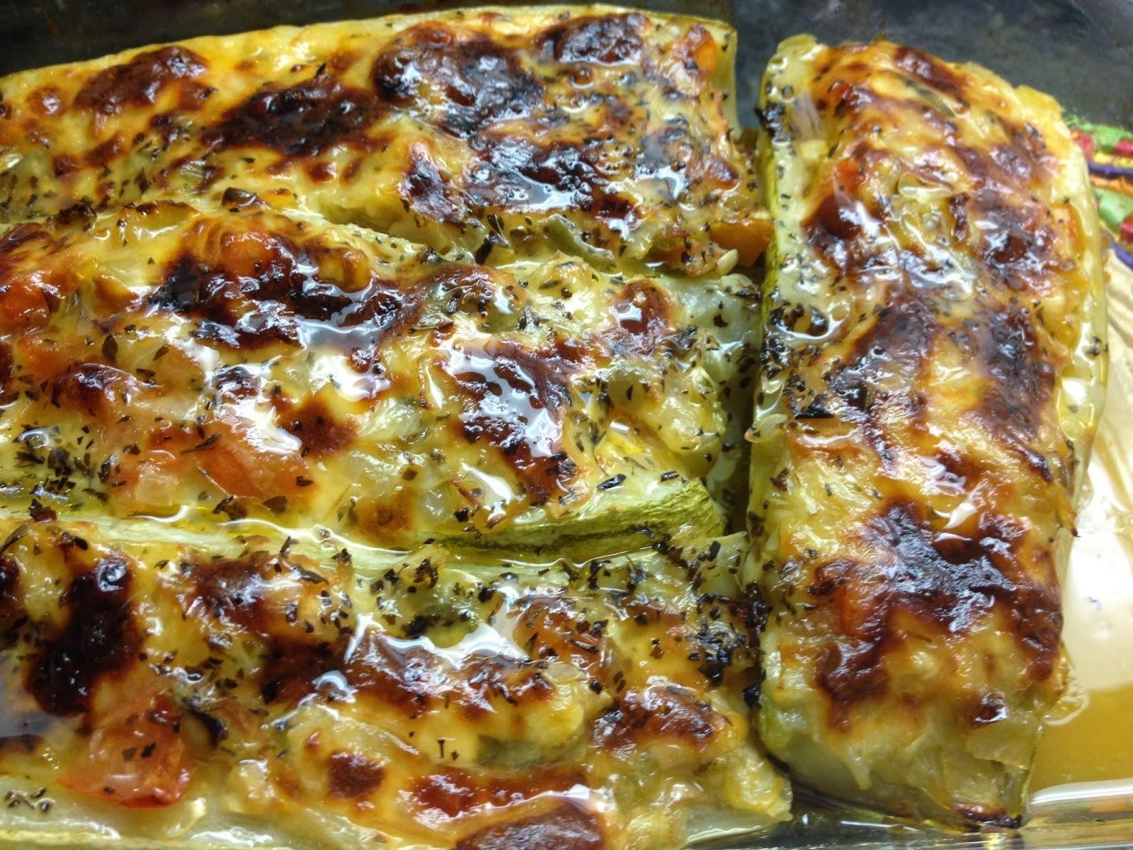Abobrinha Recheada à Minha Moda! Foi uma grata surpresa essa abobrinha de forno com queijo! Experimente você também!