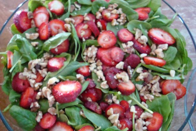 Salada de morango e espinafre