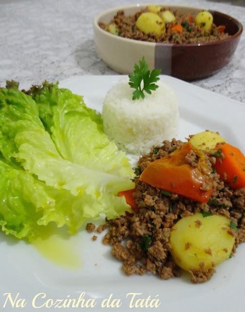 Carne Moída com Batatas e Cenoura