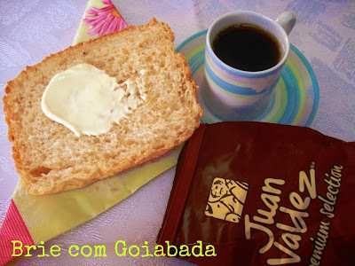 O Melhor Café do Mundo e Pão de Iogurte com Azeite e Gergelim