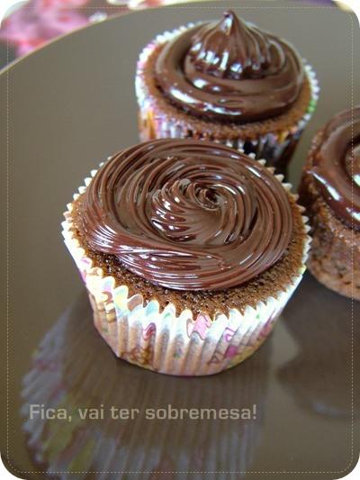 Cupcake de chocolate com cobertura de ganache