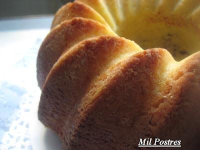 postres-Bizcocho de leche y aceite de oliva suave, ideal para tartas de fondant