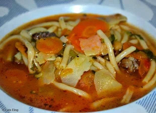 Sopa de carne à moda da vovó