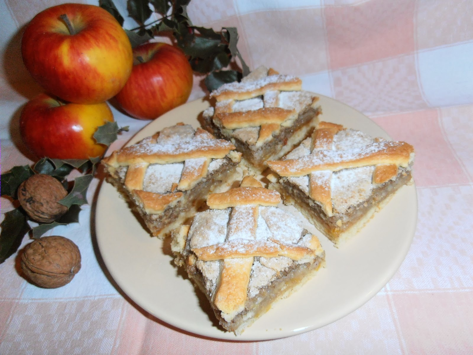 Dióhabos almás pite