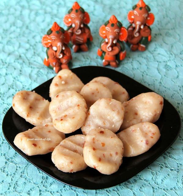 Peanut Kozhukattai / kolukattai / sweet dumplings recipe (Pidi Kolukattai) - FOR VINAYAKAR CHATURTI / VARALAKSHMI POOJA / VARALAKSHMI Nombu