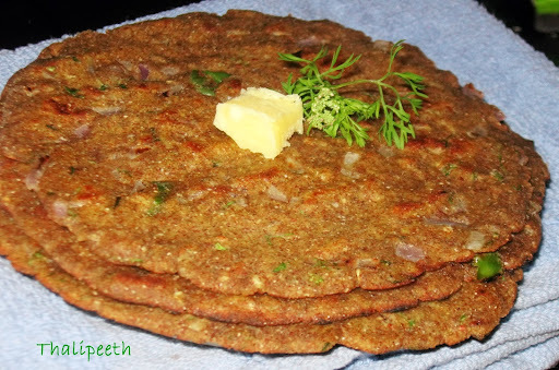 Thalipeeth / Multigrain Indian flat Bread