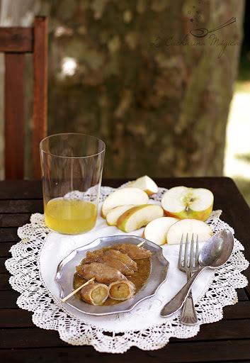 Chipirones rellenos de manzana con salsa de sidra y almedras