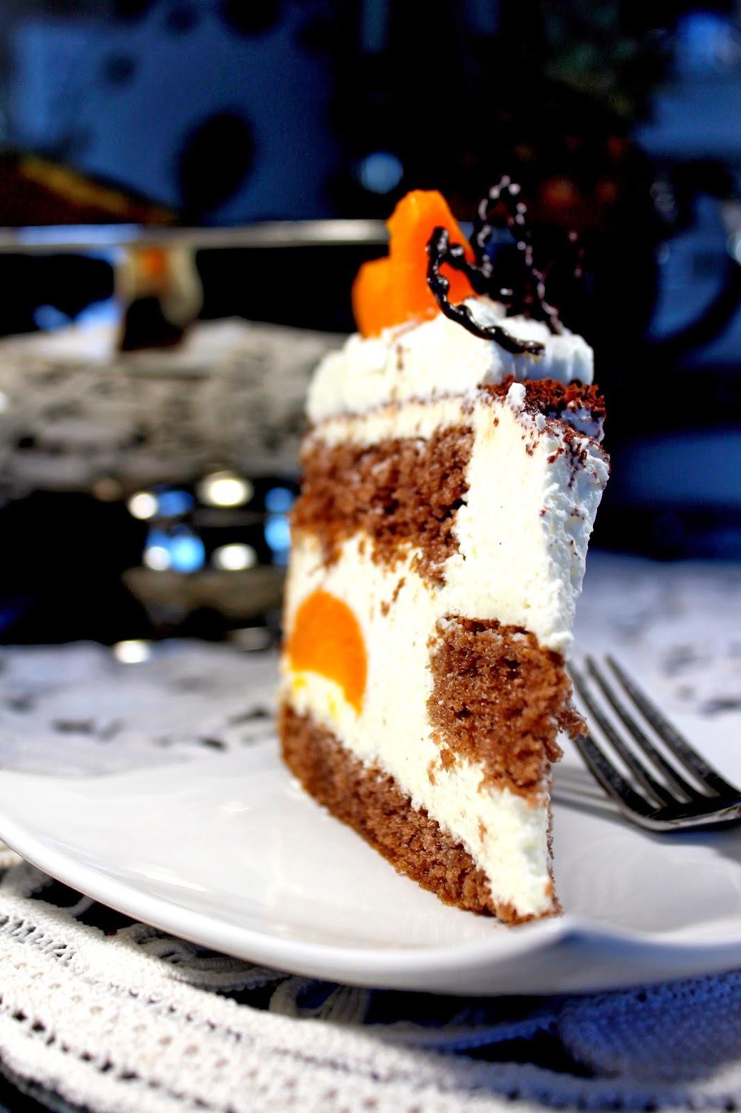 Čokoladno voćna torta