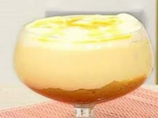 delicia de abacaxi com gelatina e leite condensado