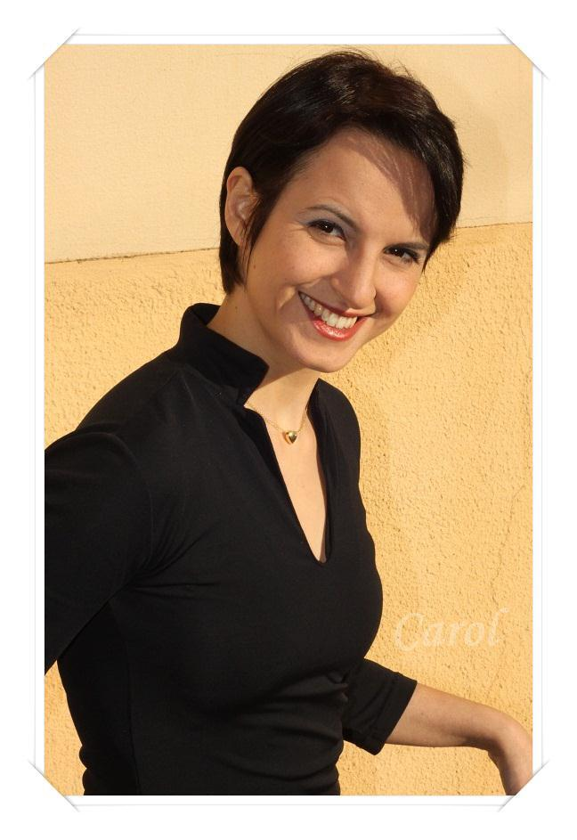 """(6°) Entrevistando as """"Estrelas da Casa""""  - Carolina G R  Szabadkai"""