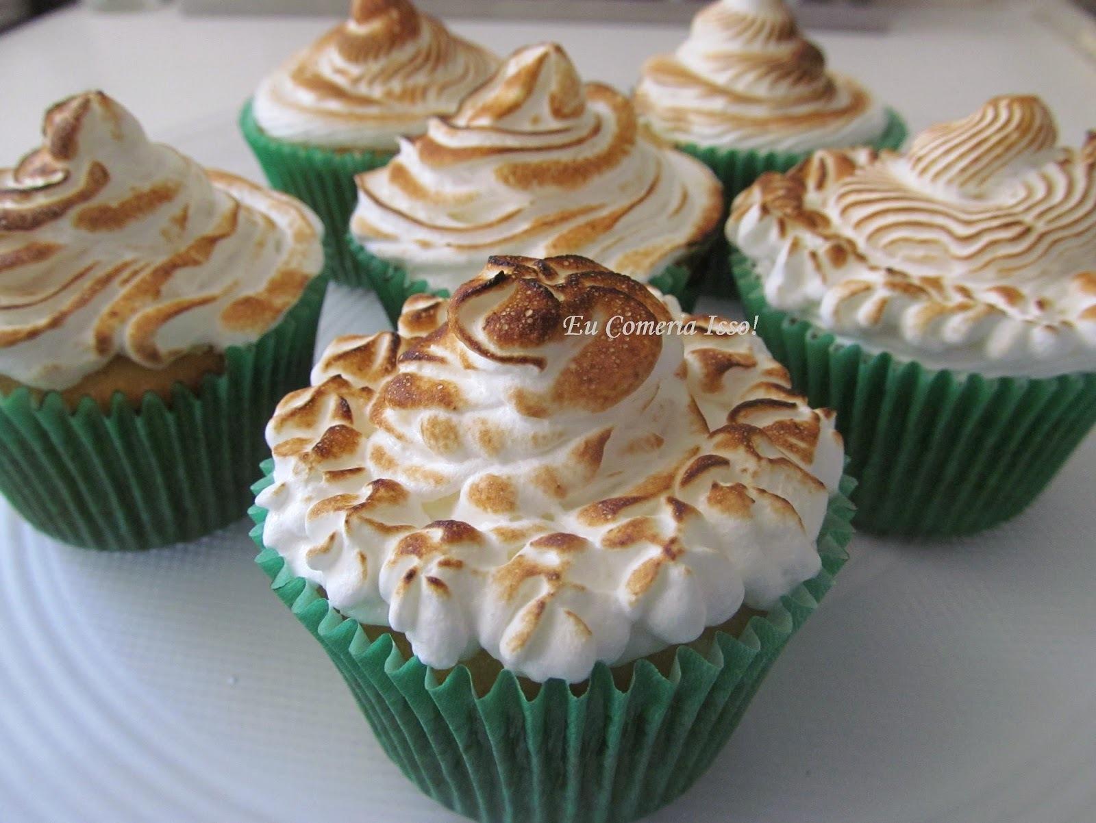 Cupcakes Amanteigados com Doce de Leite e Merengue