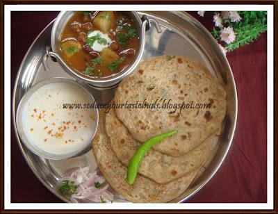 Pappad Parathas and Aloo - Kaala Channa Masala