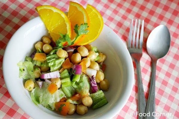 Chickpea and Lettuce Salad