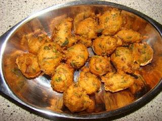 Moongdal  Bhajia/Pakora (Moong Split Beans Fritters)