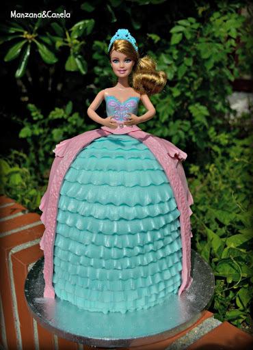 Tarta de Barbie para el cumpleaños de Lucía