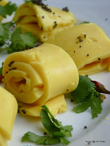 Khandvi : Low Oil Gujarati Snack