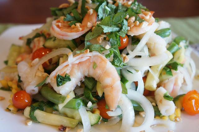 Thai seafood salad (Goi Thai tom muc)