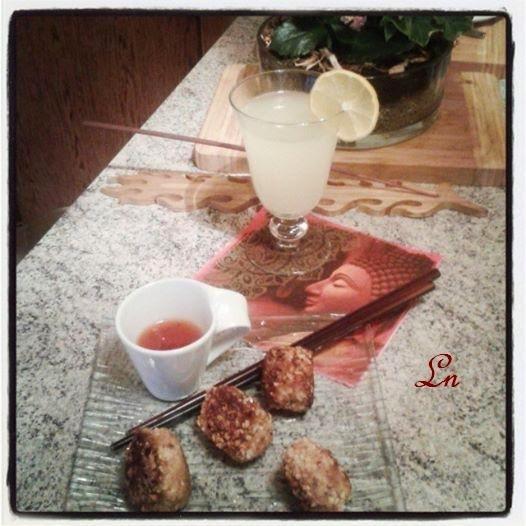 Foodista Challenge #6 : Mini boulettes de poulet au gingembre citronelle piment et beurre de cacahuète panées aux amandes , avec sa gingerbeer maison