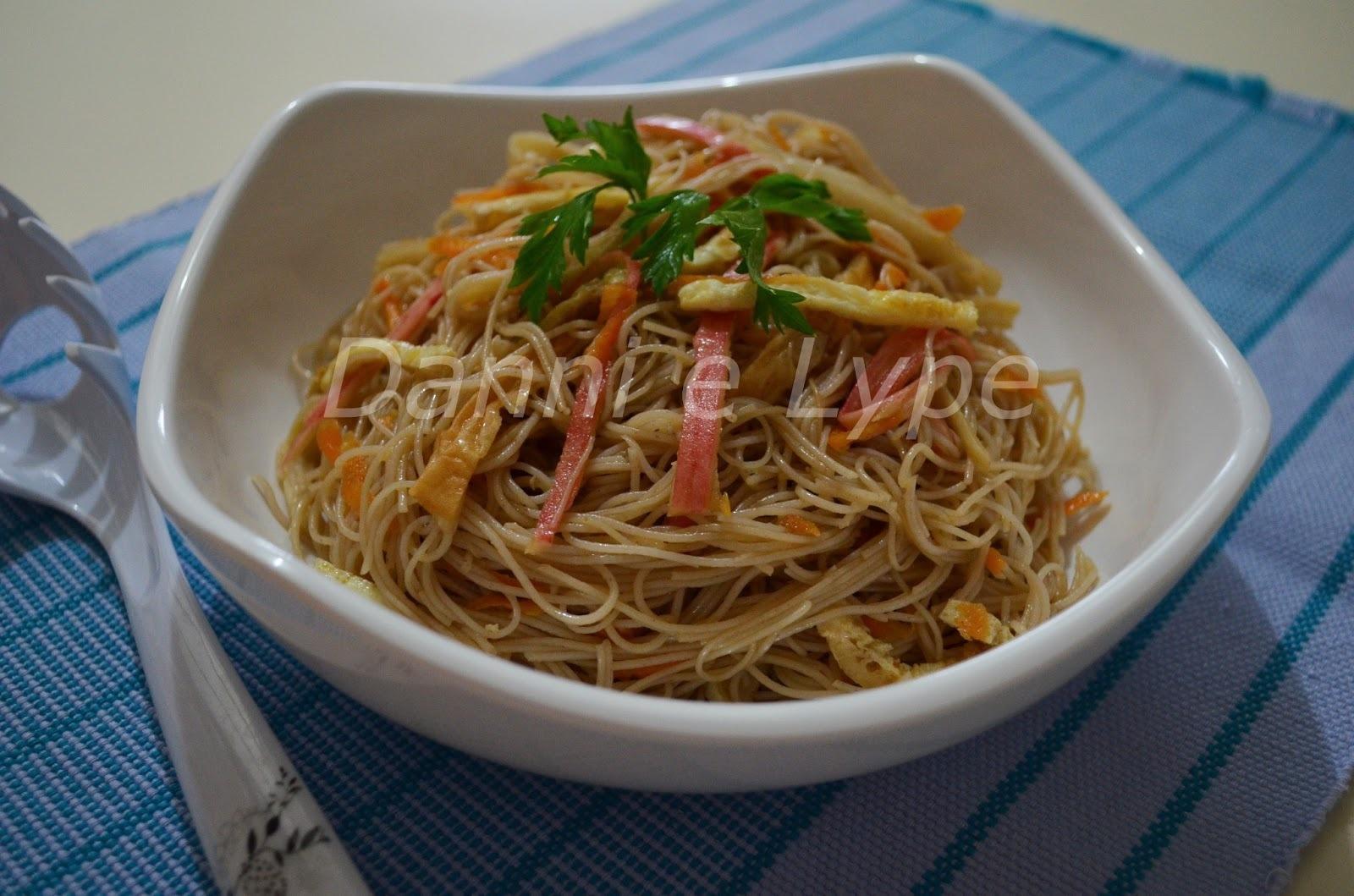 salada fria oriental macarrao
