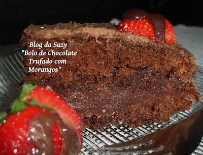 Bolo de Chocolate Trufado com Morangos