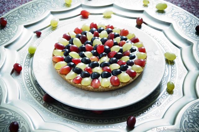 vegane Traubentarte mit glutenfreiem Mürbeteig und fruchtiger Birnencrème