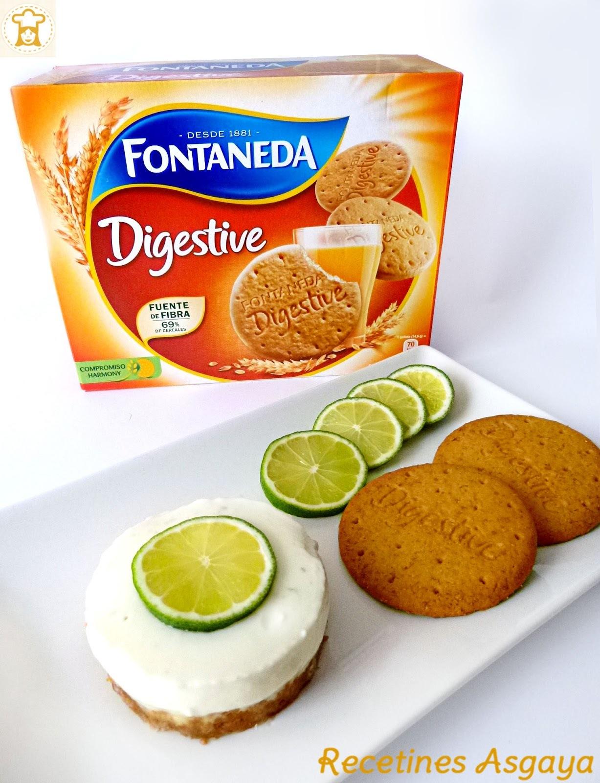 Tarta Cremosa de Yogur con Lima y Coco