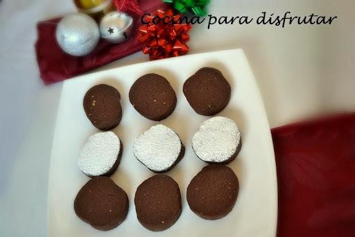 POLVORONES DE CHOCOLATE CASEROS