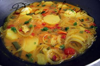 Ensopado de peixe na wok