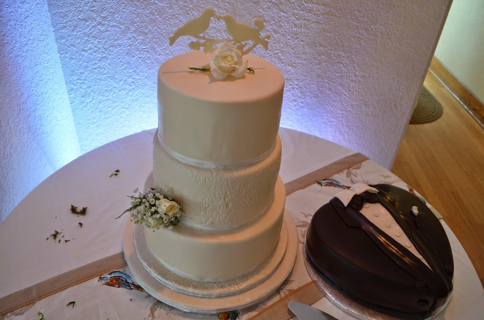 elegantna svadbena torta