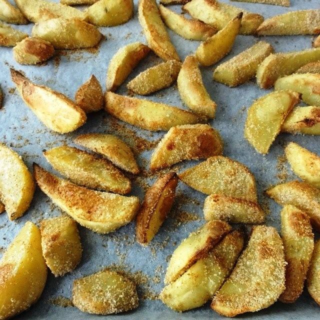 Hrskavi krumpir iz pećnice (owen baked potato wedges)