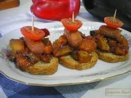 Tostadas con salchichas
