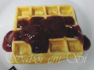 Waffle com Geleia de Uva