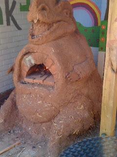 Amusing clay oven (The Dragon!)