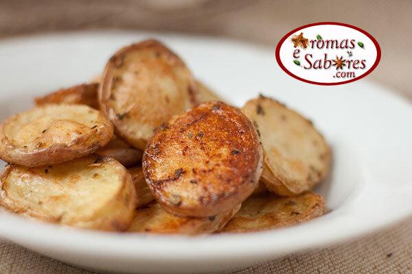 Batatas de forno com sálvia e páprica