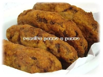 Bolinho de Carne Empanado / Breaded Meat Dumpling