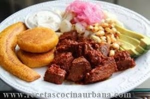 Cocina ecuatoriana, carne colorada