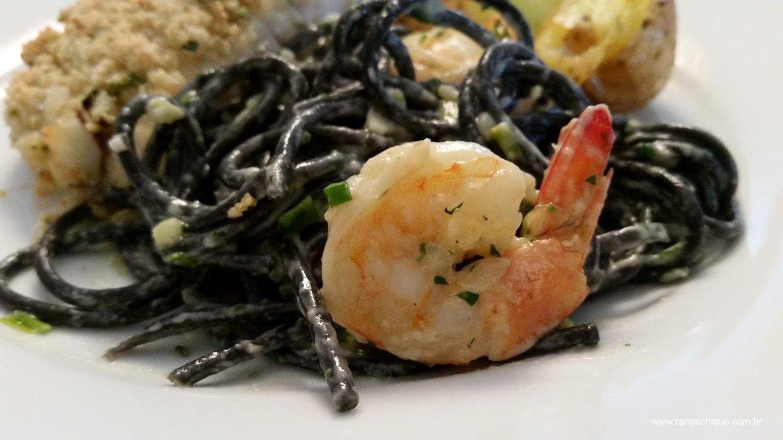 Spaghetti Nero di Seppia ou Espaguete com tinta de lula