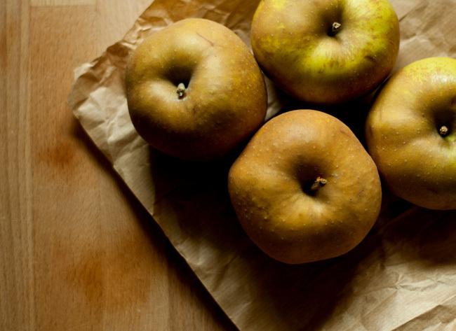 Una tarta de crumble de manzana y ¨Lo imposible solo tarda un poco mas...¨ / An apple crumble tart and ¨The impossible just takes a little bit longer¨...