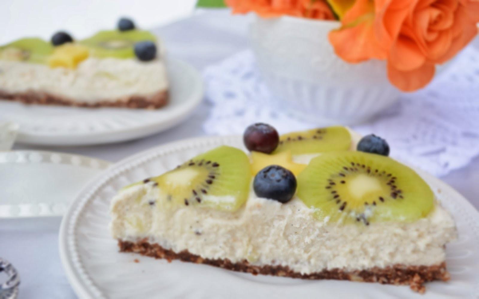 """Citromos """"sajttorta"""" gyümölcsökkel, sütés nélkül - paleo (SAD 22. forduló)"""