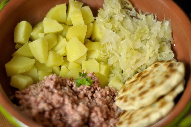 VegeHurka so zemiakmi, posúchmi a kyslou kapustou