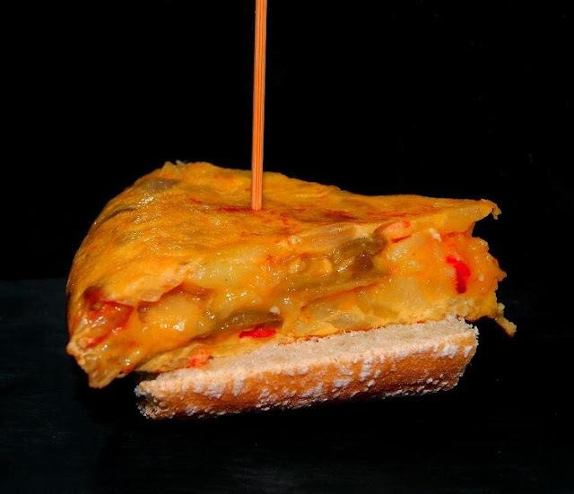 Pintxo de Tortilla de Patata con Pimientos