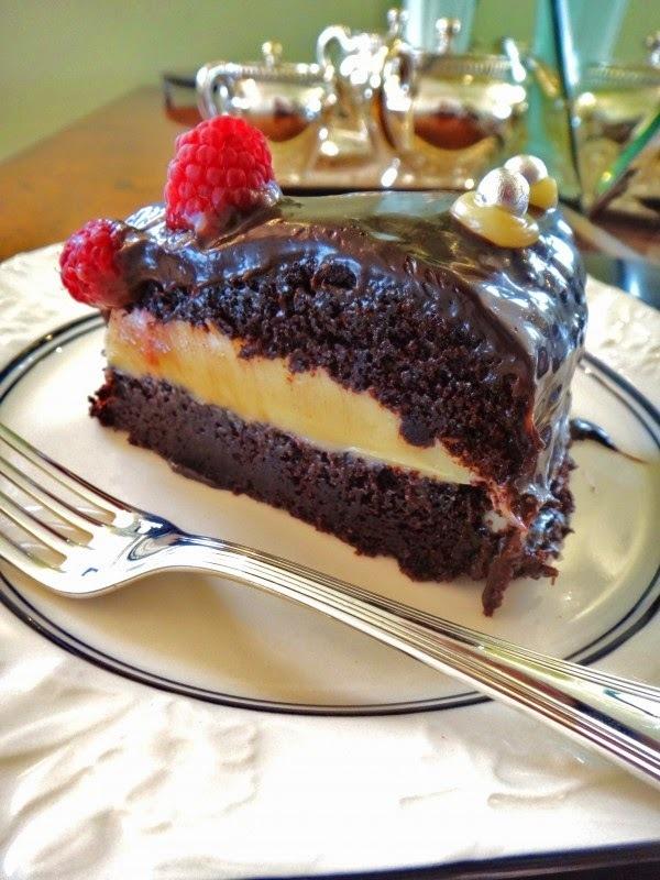 colocar água no forno deixa o bolo umido