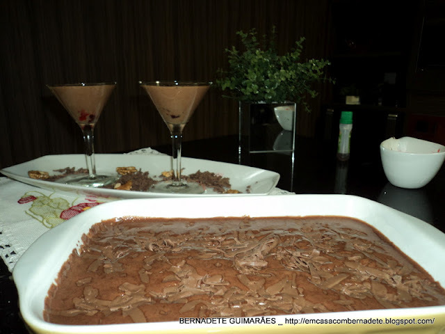 mousse de chocolate com maria mole