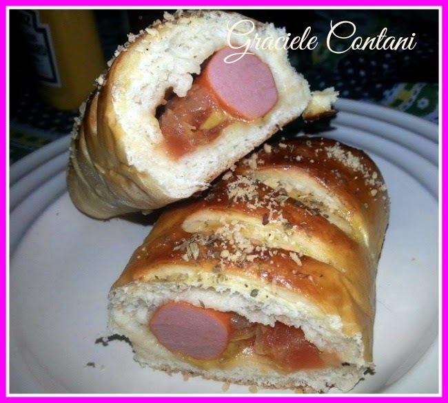 Hot dog de forno, com orégano e queijo, de Graciele Contani