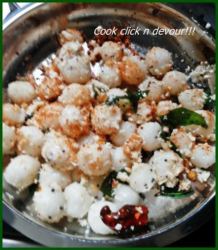 Mani kozhukattai-Ammini kozhukattai (Kozhukattai sundal)(Steamed mini rice balls)